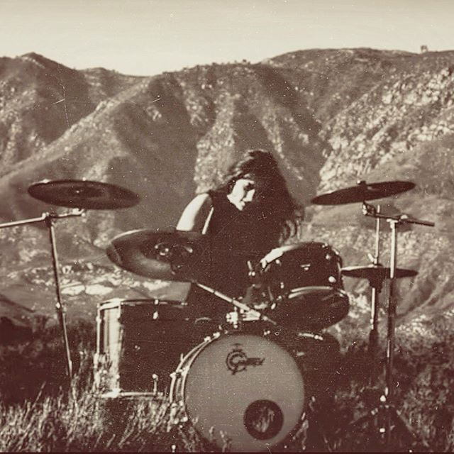 Ojai! It's been a hot minute! We play @ojaideerlodge tonight 7-9pm. Come hang! #seaatlast #ojaideerlodge #venturamusic #ojaimusic #rocknroll #cinematicrock #duoband #sleepinsidethunder #musicvideostills