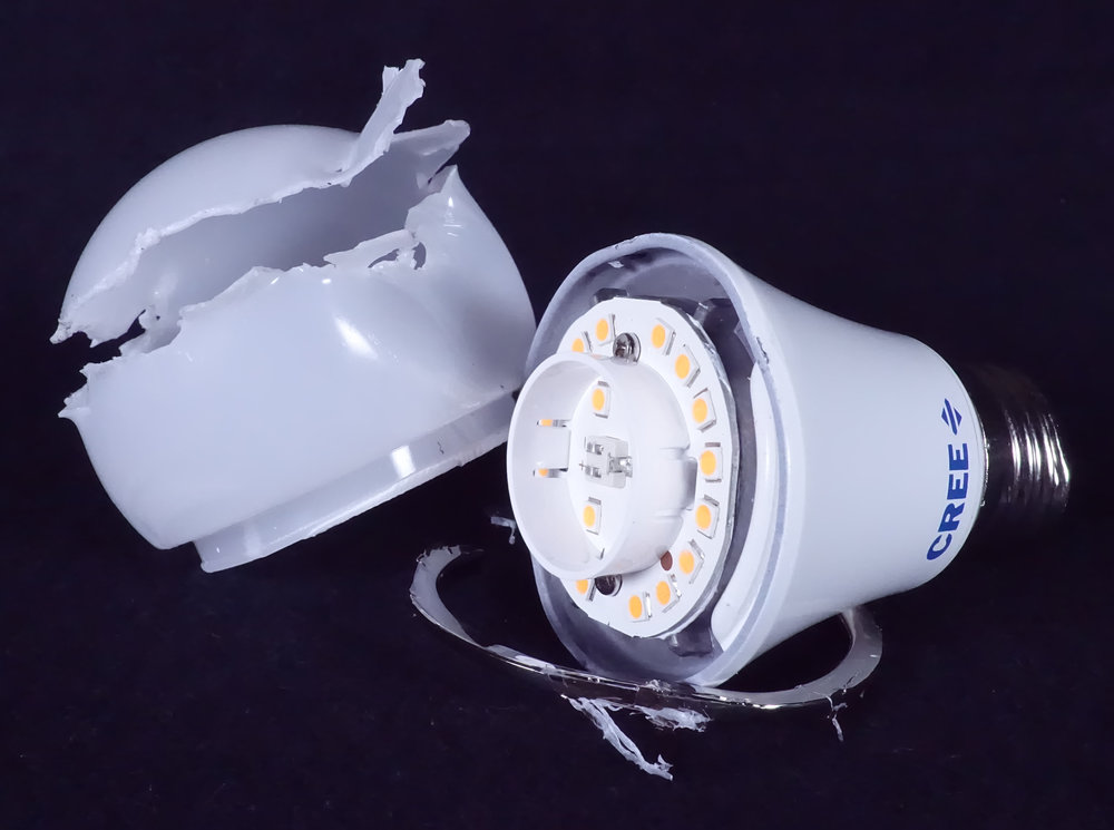 Cree LED Bulb Dome Chrome Ring and Base.JPG