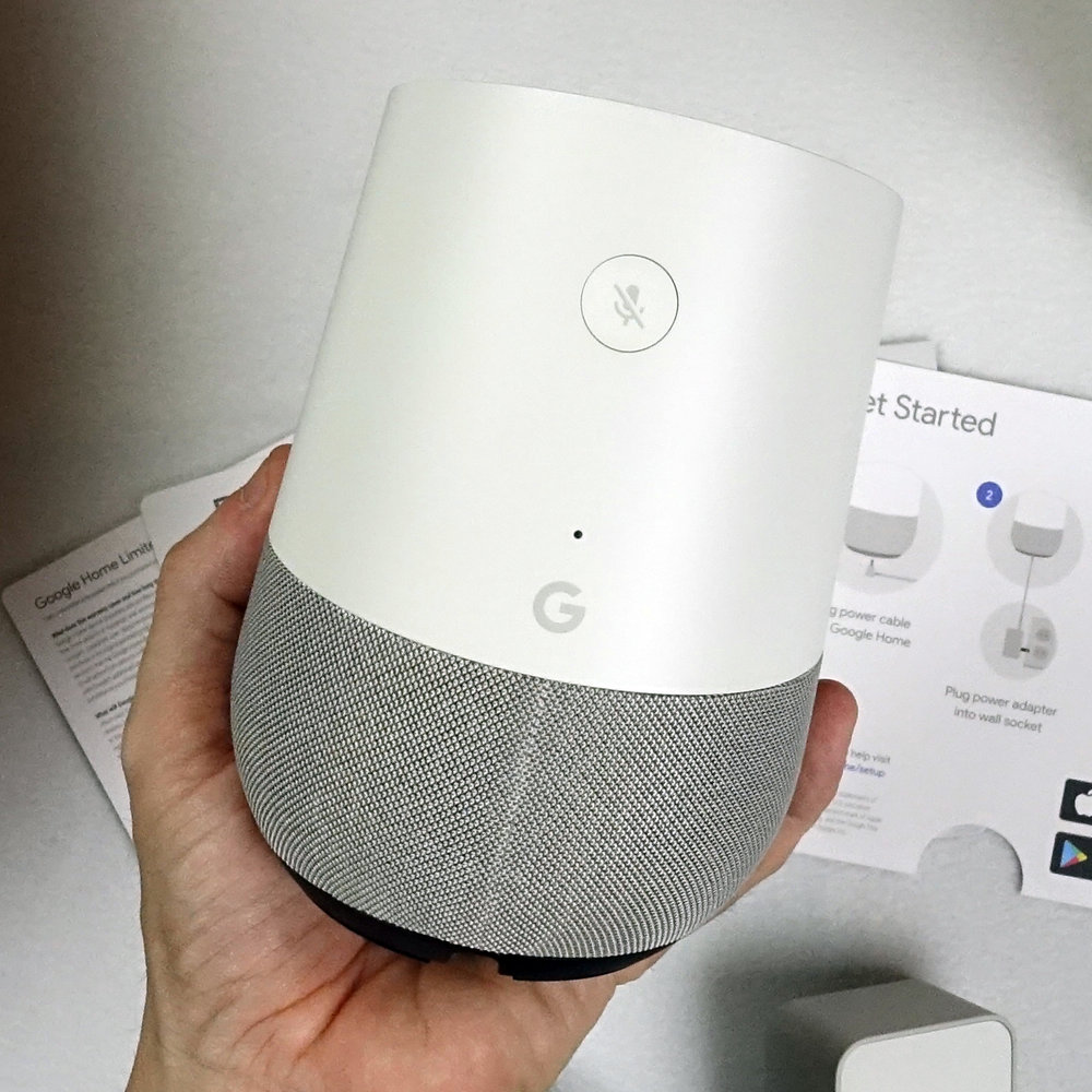 google home unboxing device back detail.jpg