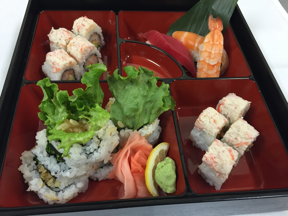@sukiyaki roll @spicy tuna & avocado roll, snow crab mix on top @tuna nigiri, shrimp nigiri & salmon nigiri