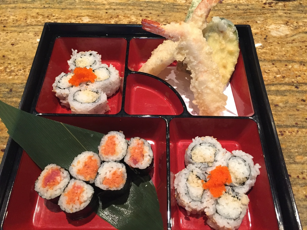 @spicy tuna roll @crunchy & crab roll @Mix tempura