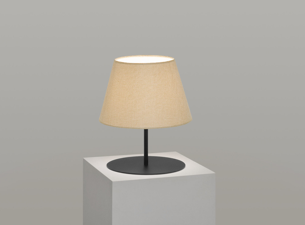 pegasus_lamp_black_base_hessian.jpg