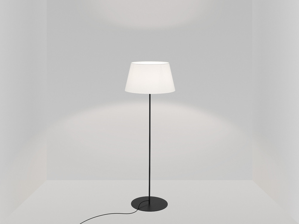 pegasus_floor_lamp_black_base_ivory.jpg