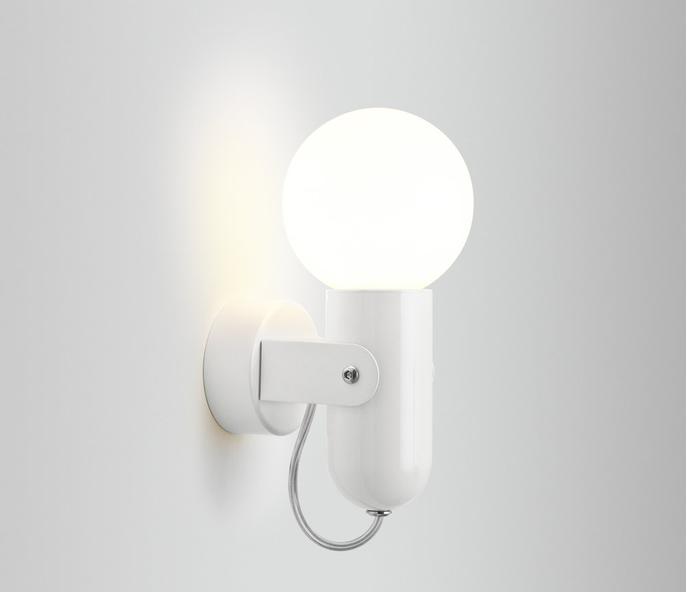ISM Objects_HD3 Wall Lamp_White_01.jpg