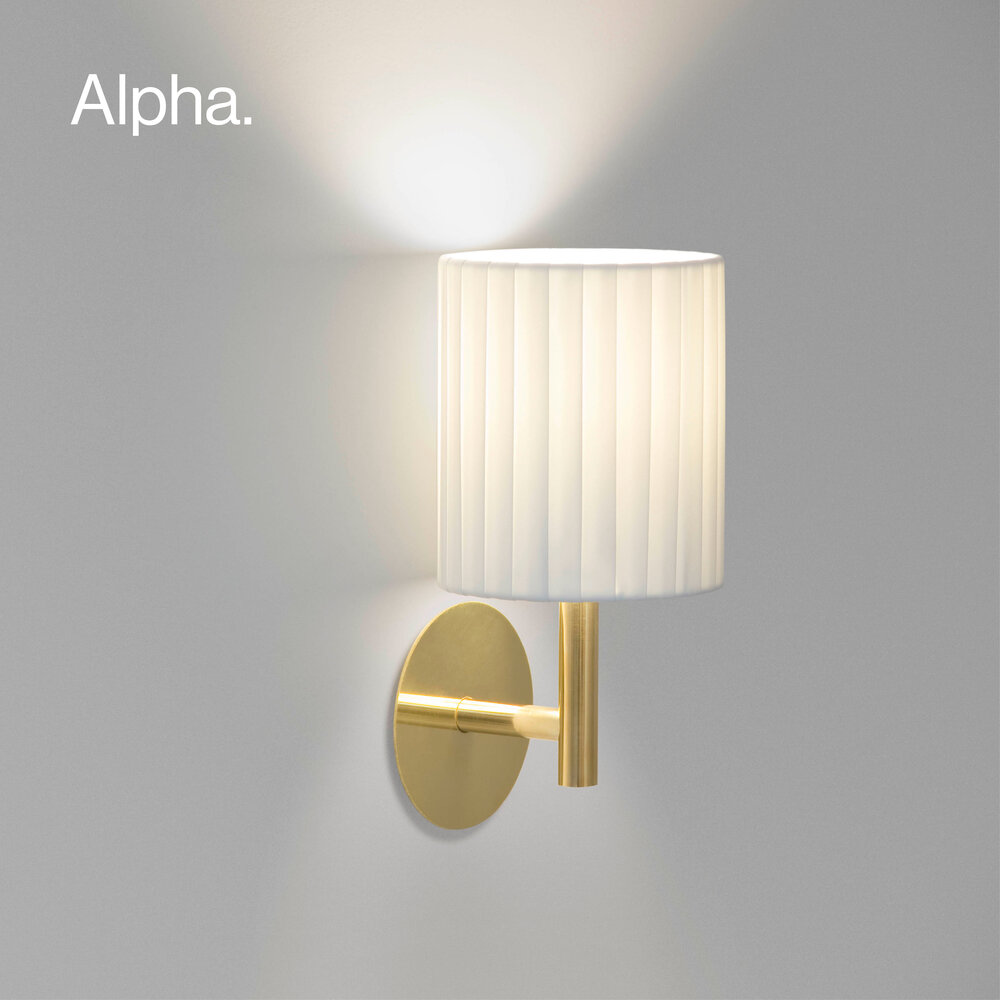 Alpha wall lamp