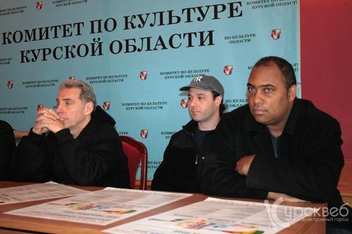 trio russia 2.jpg