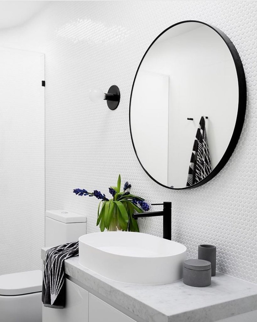 TREND | Round Mirrors… and yes, you do need one in your life!