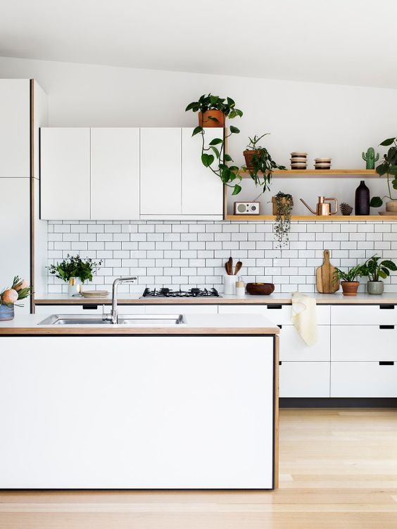 Cantilever Kitchens | Tile - white subway