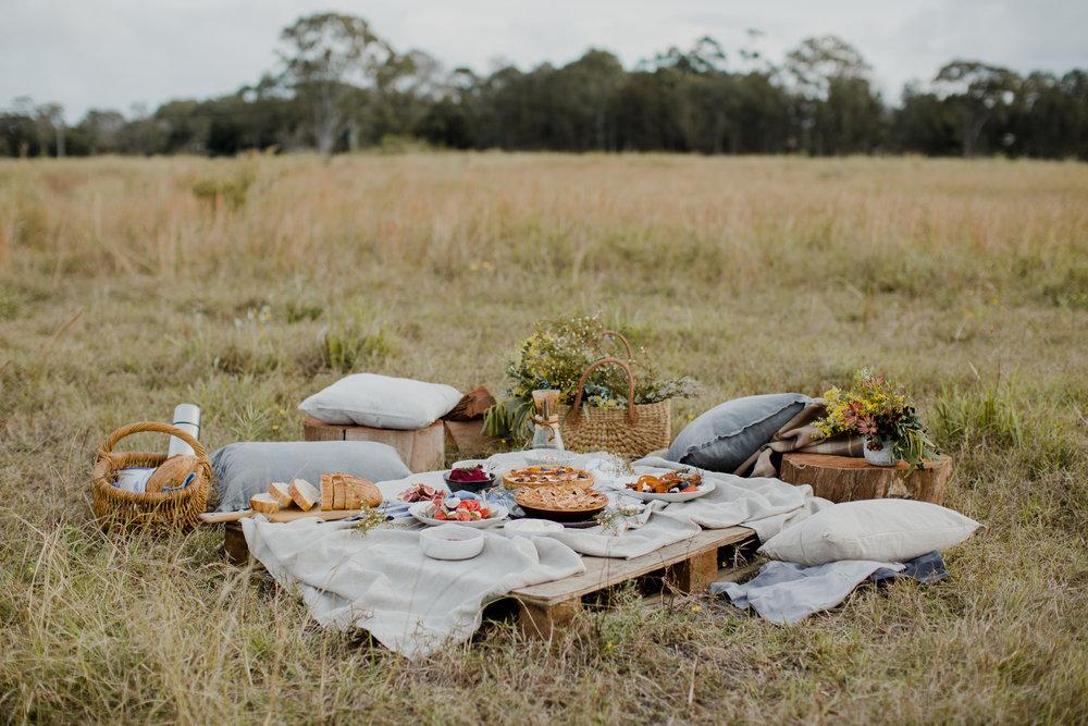 A fall picnic gathering / Tammie Joske