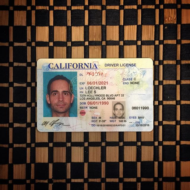 After three years of living in LA, it's official... I live in LA! 🍾🎉🌮🏄🏻🌇🌴