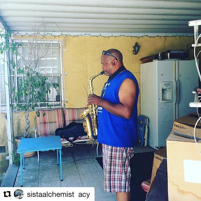 #Repost @sistaalchemist (@get_repost) ・・・ Happy Father's Day to My Dad! What can I say about you, that I haven't said or showed you. I Love you so much and I am so grateful for your presence!  Love Ya Ole Man!! #Love #family#mydad❤️ #coolest #jazz#fatheroftheyear #inglewood #LA#saxophone  @mbplumbing101