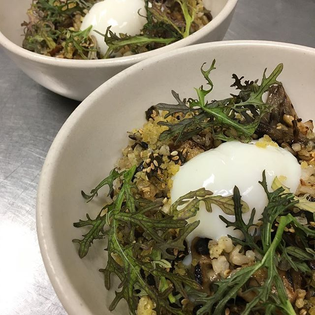 Toasted grains, mushroom vinaigrette, poached egg, mustard greens #racionpasadena #onlyinoldpas #mushrooms #grains #eggs #tapas