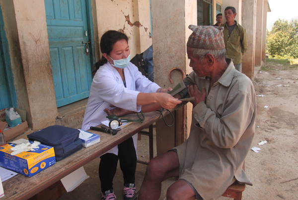 Photo: Outreach Medical Program funded by Karuna-Shechen, Nepal ©Matthieu Ricard