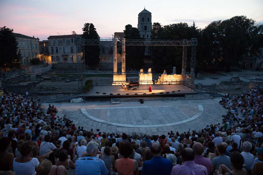 The venue was full on both nights. The acoustics are excellent, and the stone structure shields the audience from the surrounding noises of the town.