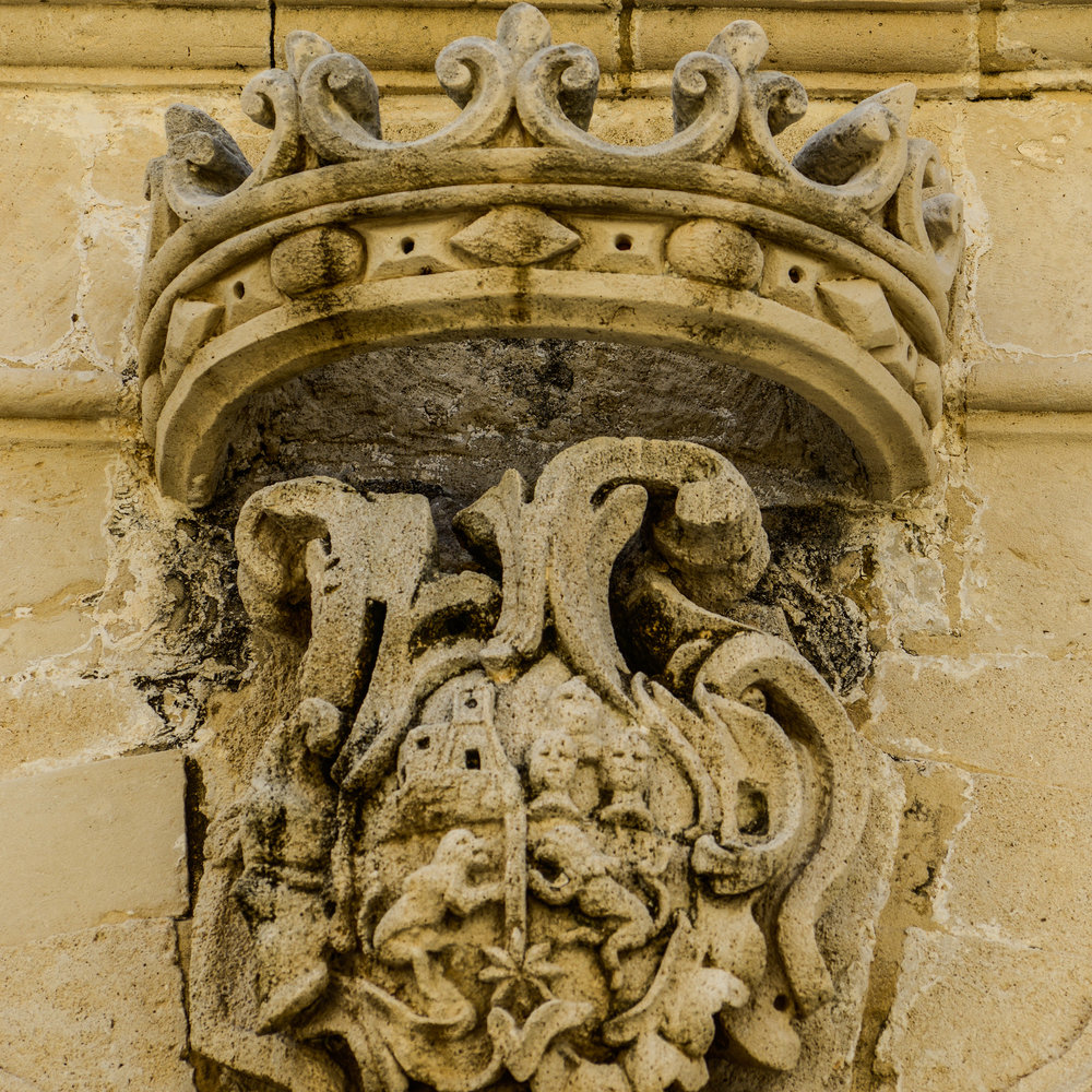 16Ornament crown-2.jpg