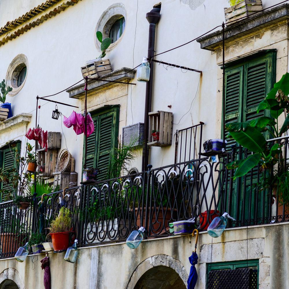 24Apollo balcony-2.jpg