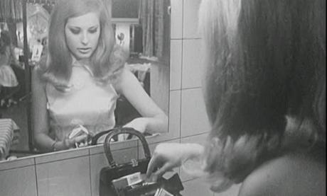 Ein Miss-Vergnügen. Filmkompilation «Hausmütterchen trifft Superman». Standbild aus der Sendung Antenne SF vom 31.03.1969, SRF.