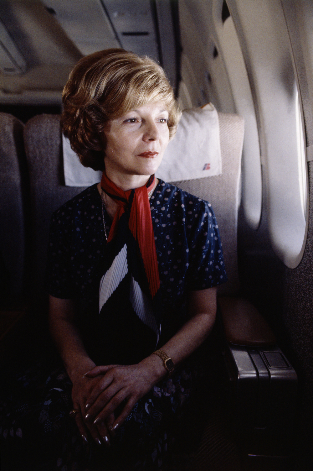 Isabel Perón on the plane leaving Argentina, exiled to Spain, 1981