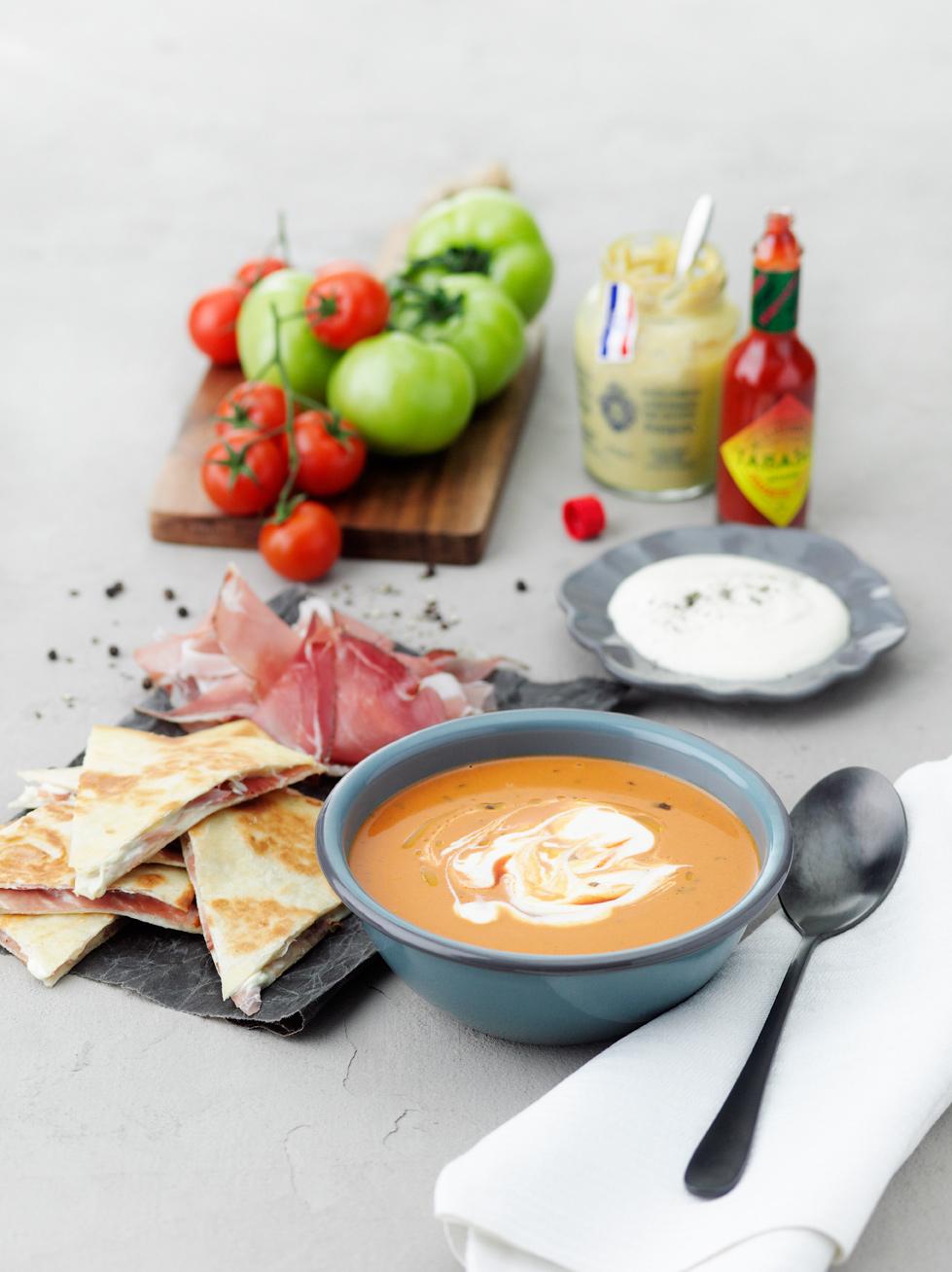 Tips: Sugen på en helvegetarisk rätt? Byt ut skinkan mot skivad salladslök. Mindre hetta löser du genom att byta ut TABASCO® Habanero Pepparsås mot TABASCO® Grön Pepparsås.