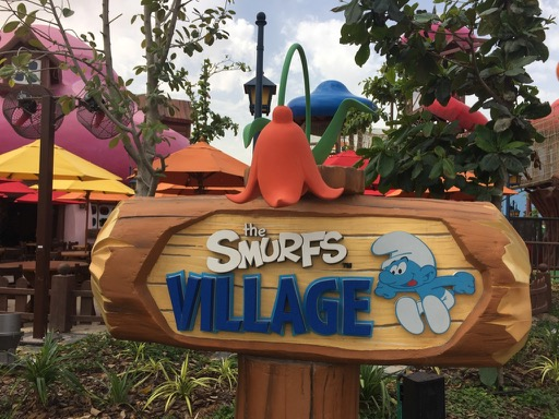 smurf village dubai parks and resorts