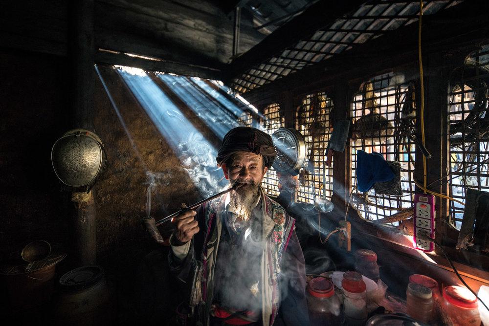 Ontmoetingen langs de Yangtze  Ruben reisde stroomopwaarts langs de Yangtze en portretteerde bijzondere mensen.