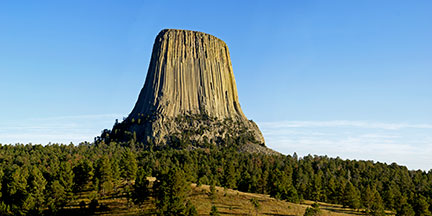 Devil's-Tower-216px.jpg