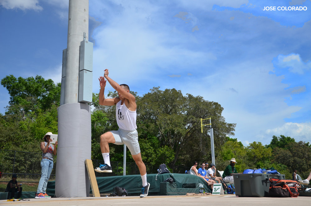 Vinh Le of Long Island University Brooklyn competing in the 2015 University of South Florida Invitational.