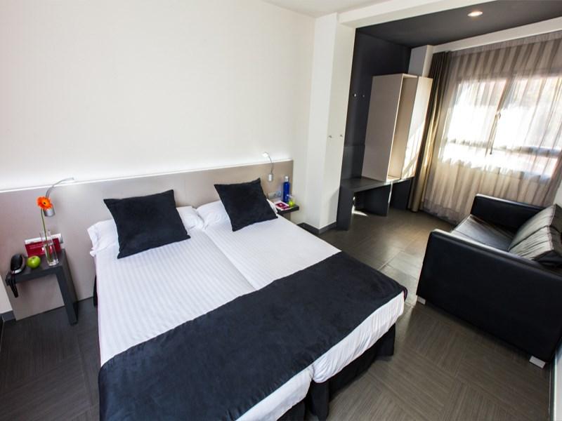 Leonardo Hotel - 3* - Approx €136
