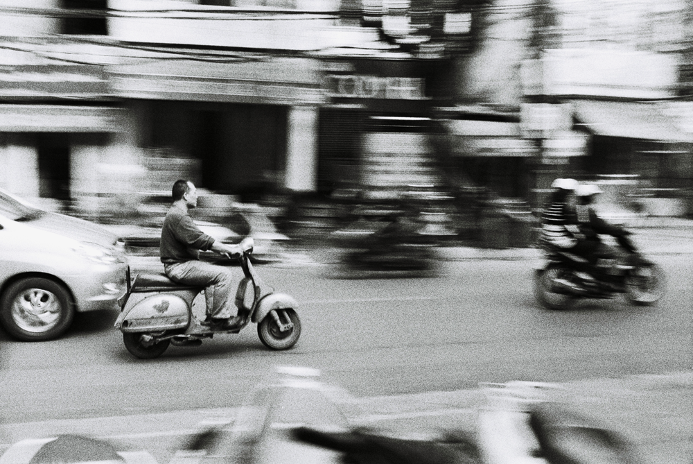 Vespa,-Hanoi,-Vietnam.png