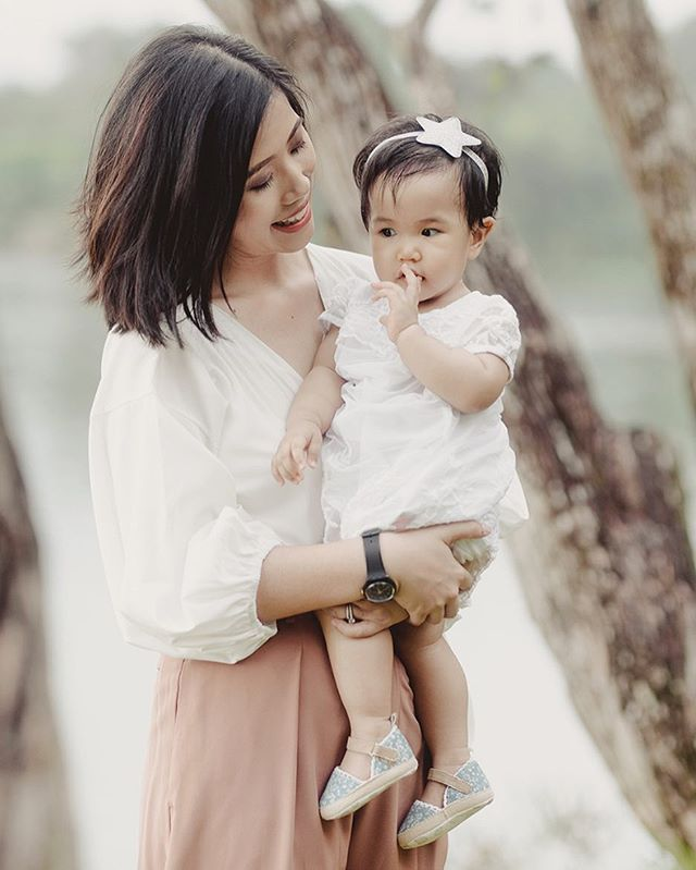 There is nothing I adore more than capturing a mother's love for her child. Motherhood surely looks good on Faezah. More photos of this adorable family on IGstory!