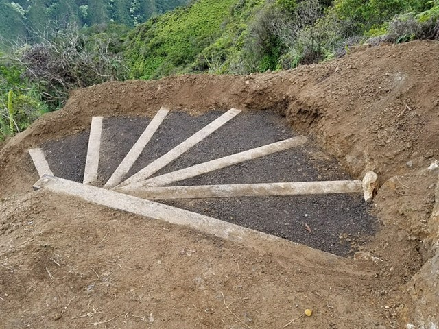 Plastic timber trail stair using Black Rhino Projects in a Hawaii State Trail project.