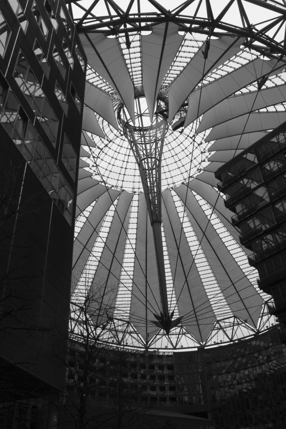 Sony Center02_bl.jpg