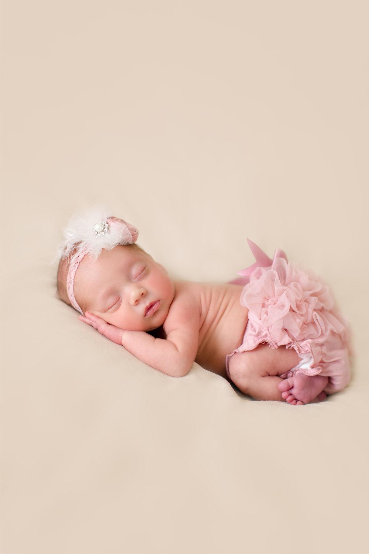 Vivian_newborn-3.jpg