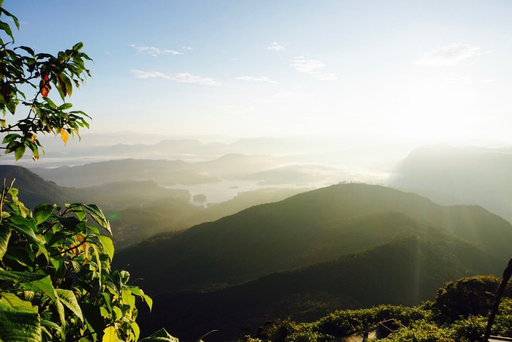 Sri Lanka Itinerary - hiking Adam's peak at sunrise