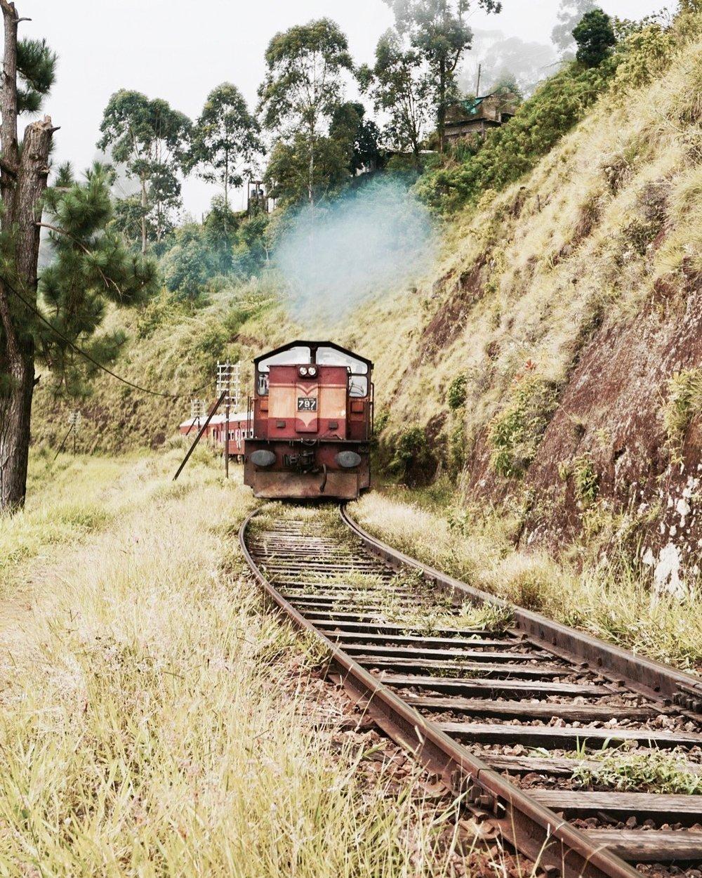 Kandy to Ella train ride in Sri Lanka