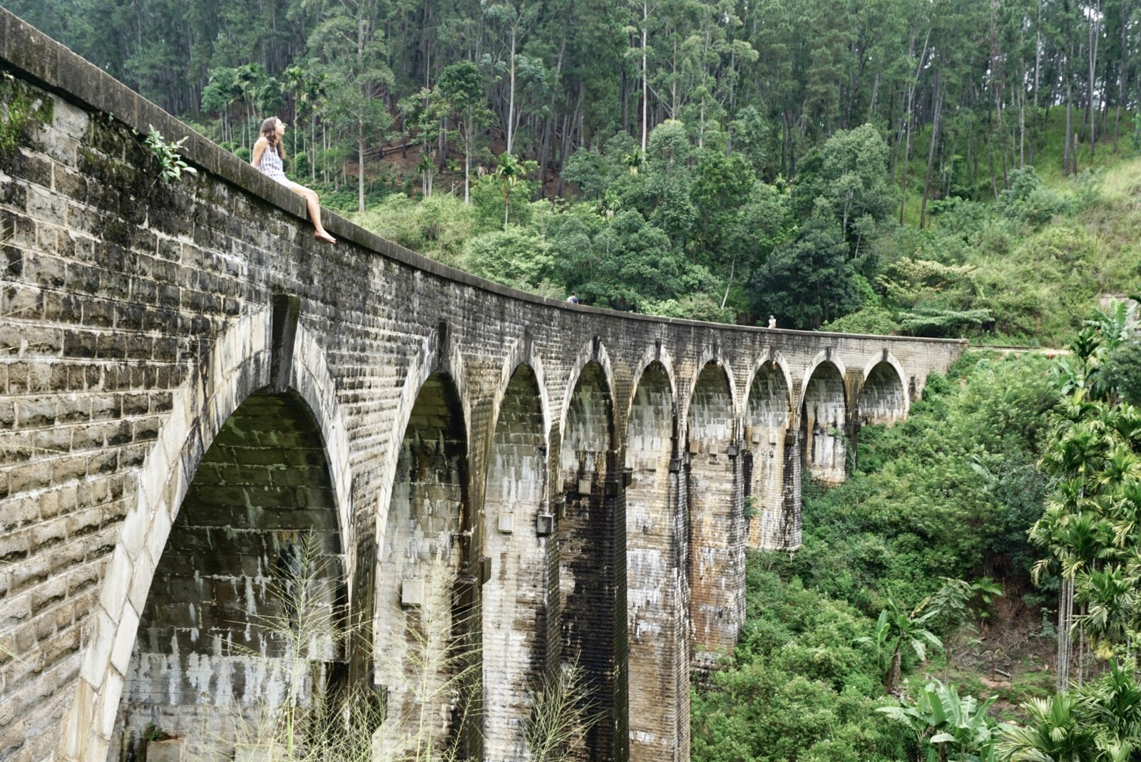 Nine arches bridge in ella, sri lanka
