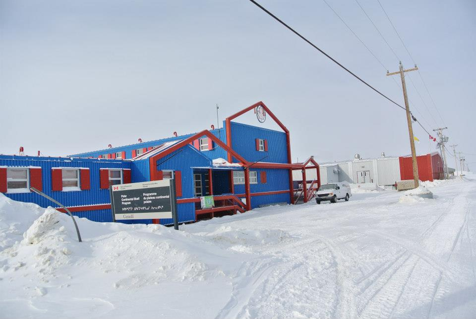 PCSP facilites in Resolute. PCSP provides logistics to researchers working in the high Arctic.