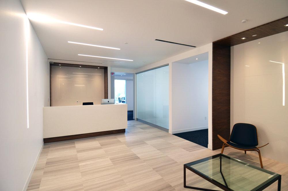 Commercial institutionnel u2014 inter meuble inc.