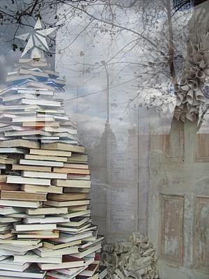 Christmas tree alternative, a tree of books