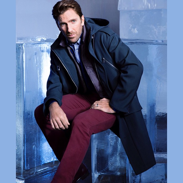 Rangers are on a roll at the playoffs! Goaltender for the Rangers, Henry Lundqvist (@hank30nyr) Shot by Alessandra Petlin For Forbes Magazine (@forbes) HOUSEtribeca.com photo-retouching house #photo #photoshoot #photography #photographer #alessandrapetlin #style #styling #stylist #athlete #rangers #henriklundqvist #hockey #playoffs #retouch #retouching #housestudios #nyc #newyorkcity #editorial #blue #design #designer #fashion #fashioneditorial #ice #cool