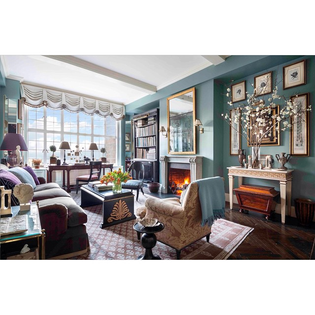 Check out Scott Frances (@scottfrancesphoto) on Architectural Digest's (@archdigest) April issue out now! Beautiful home of interior decorator Alexa Hampton (@alexahamptoninc) HOUSEtribeca.com photo-retouching house #photo #photoshoot #photography #photographer #scottfrances #editorial #architecture #architectural #digest #architecturaldigest #bravenewworld #interiordesigner #interiordesign #design #richcolors #patterns #alexahampton #lighting #natural #newyorkcity #manhattan #luxury #beautiful #nyc #familyroom #lifestyle #architecturelovers #city