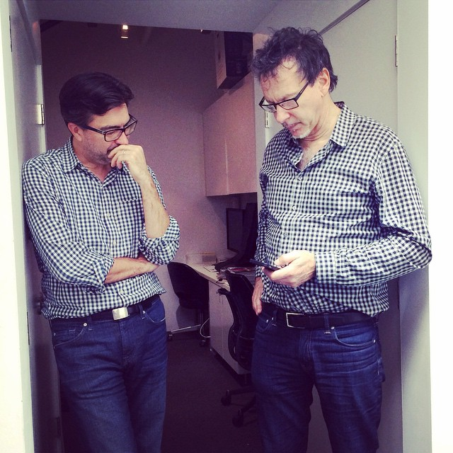 Two great minds in the studio today. They even look alike! @scottfrancesphoto and @jgneukomm #artists #greatminds #collaboration #architecture #photography #architect #spanny #housestudios #twins @thatjcrewginghamshirt ____________________________________ HOUSEtribeca.com photo-retouching house