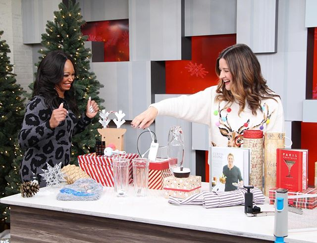 Right now! @cityline showing @thetracymoore my #secretsanta picks! Wearing the most chic #christmassweater I've ever found from @topshopcanada.  #torontostylist #ootd #citylineexpert #simplechic