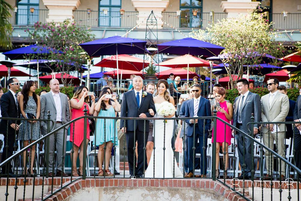 0029-150802-malia-john-wedding-©8twenty8-Studios.jpg