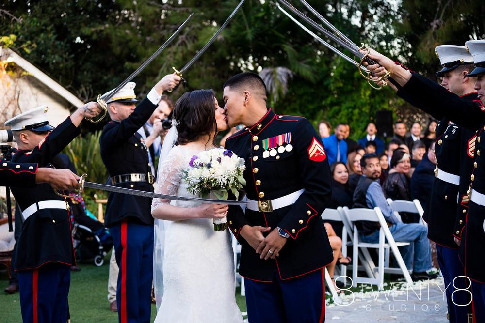 160116-katherine-matthew-wedding-©8twenty8-Studios-0016.jpg