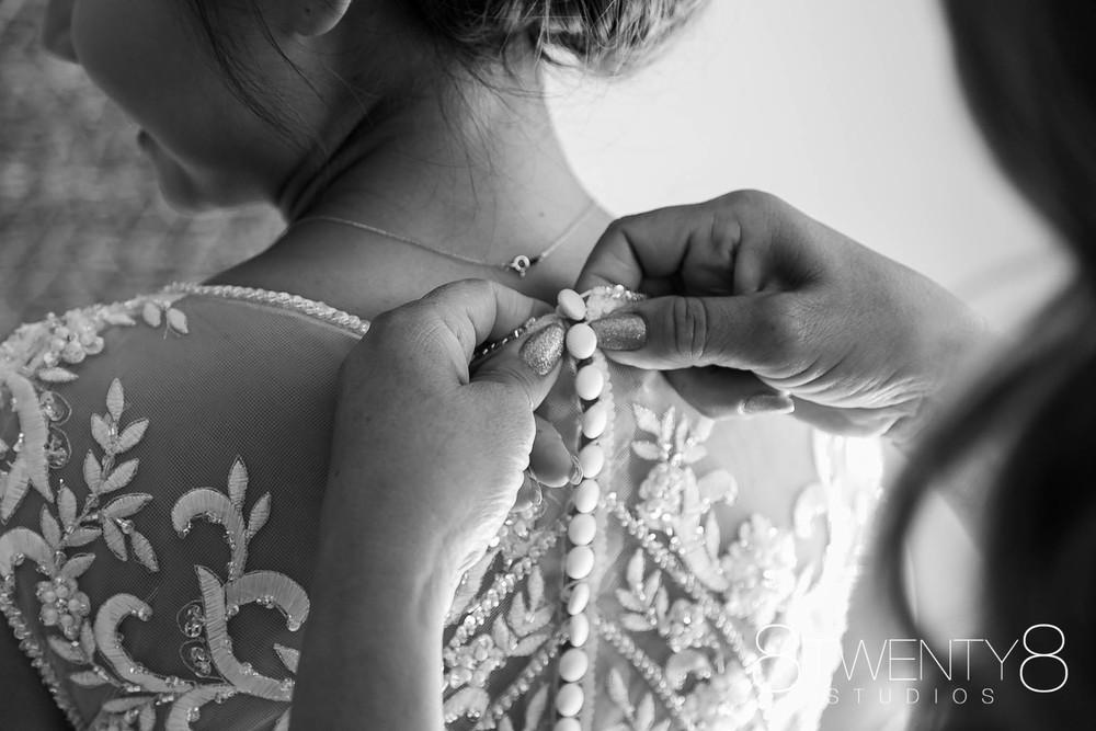 160520-andrea-vincent-wedding-©8twenty8-Studios-0016.jpg