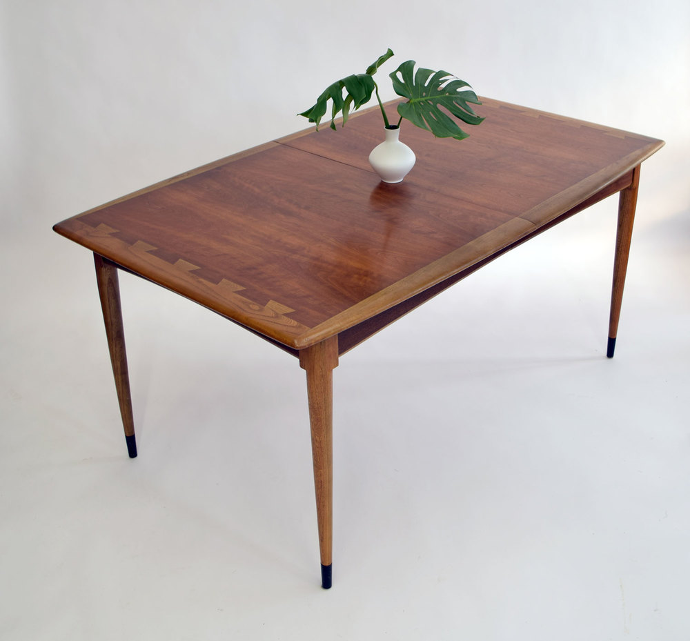 Outstanding Lane U0027Acclaimu0027 Dining Table With Leaves   SOLD