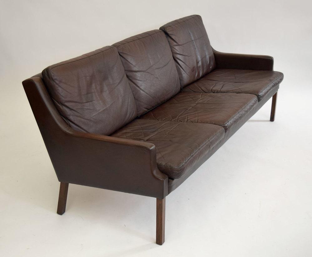 sofa34.jpg
