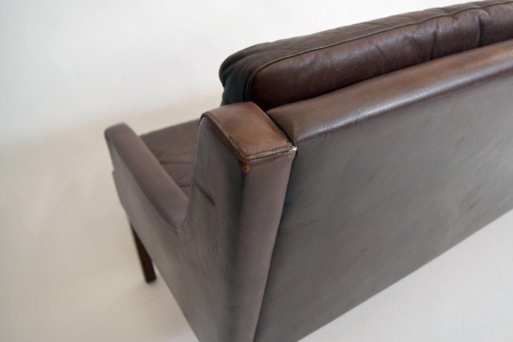 sofacorner.jpg