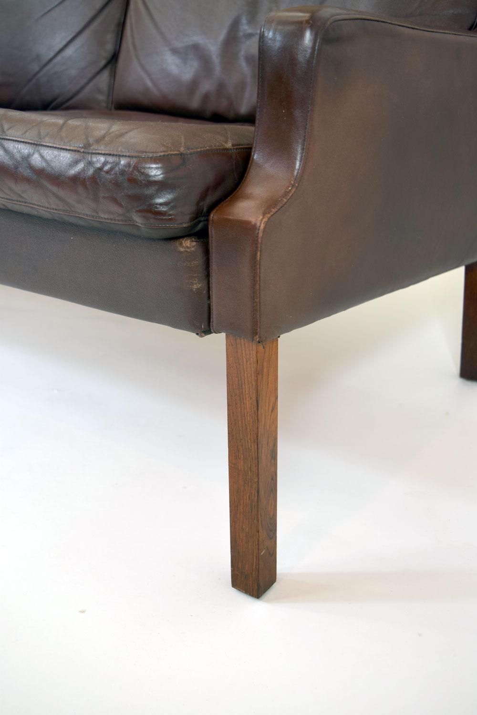 sofafrontcorner.jpg